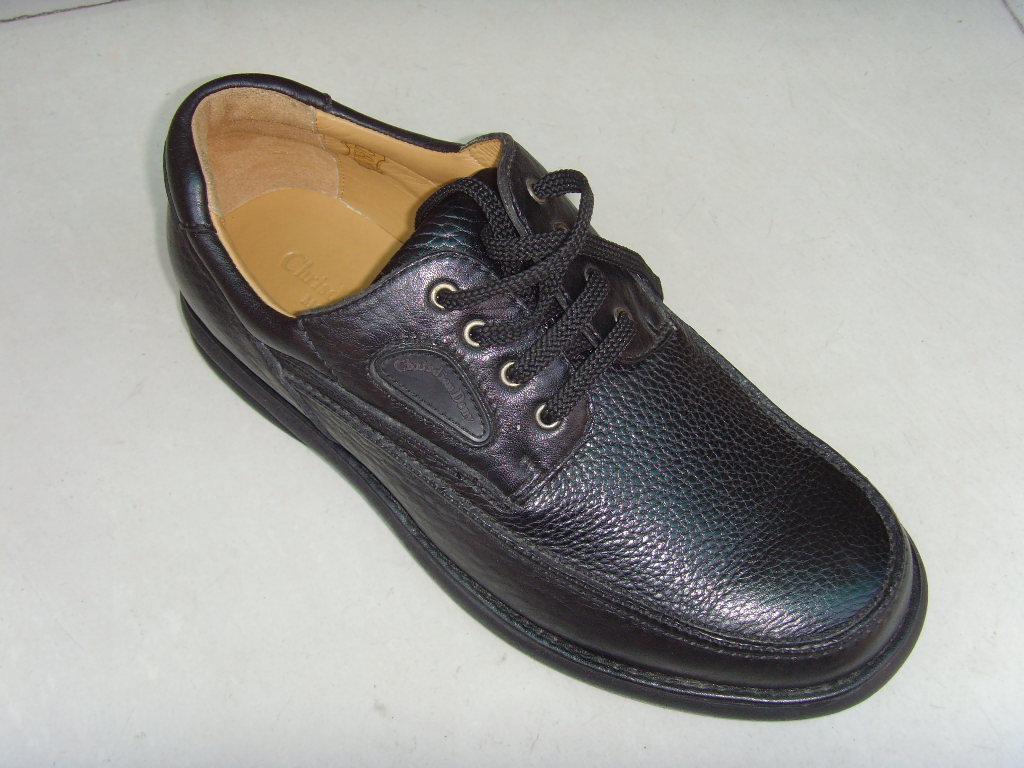 外贸鞋正品男皮鞋和登山鞋 每周上百个各类活动,汇聚数十万厦门上班族